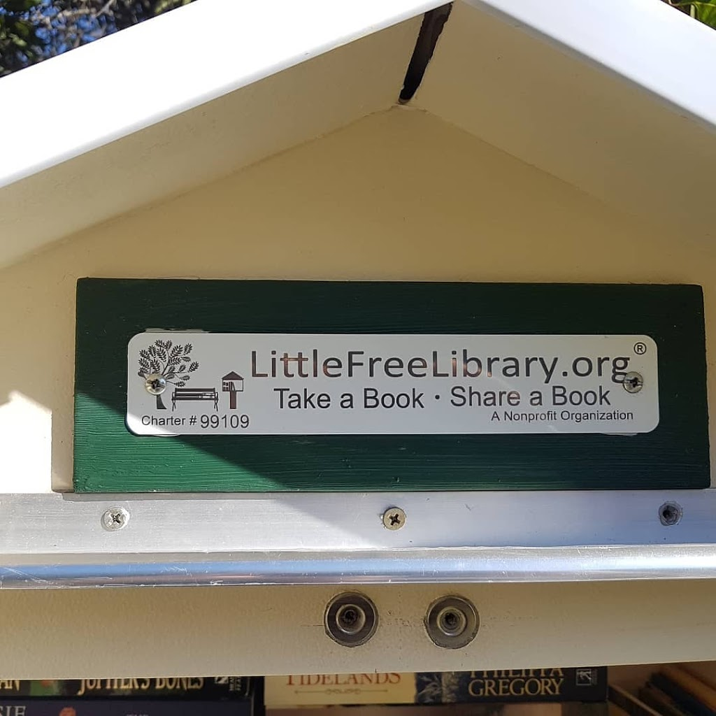 Little Free Library #99109 | library | 40 Cooloon Cres, Tweed Heads South NSW 2486, Australia | 0417732592 OR +61 417 732 592
