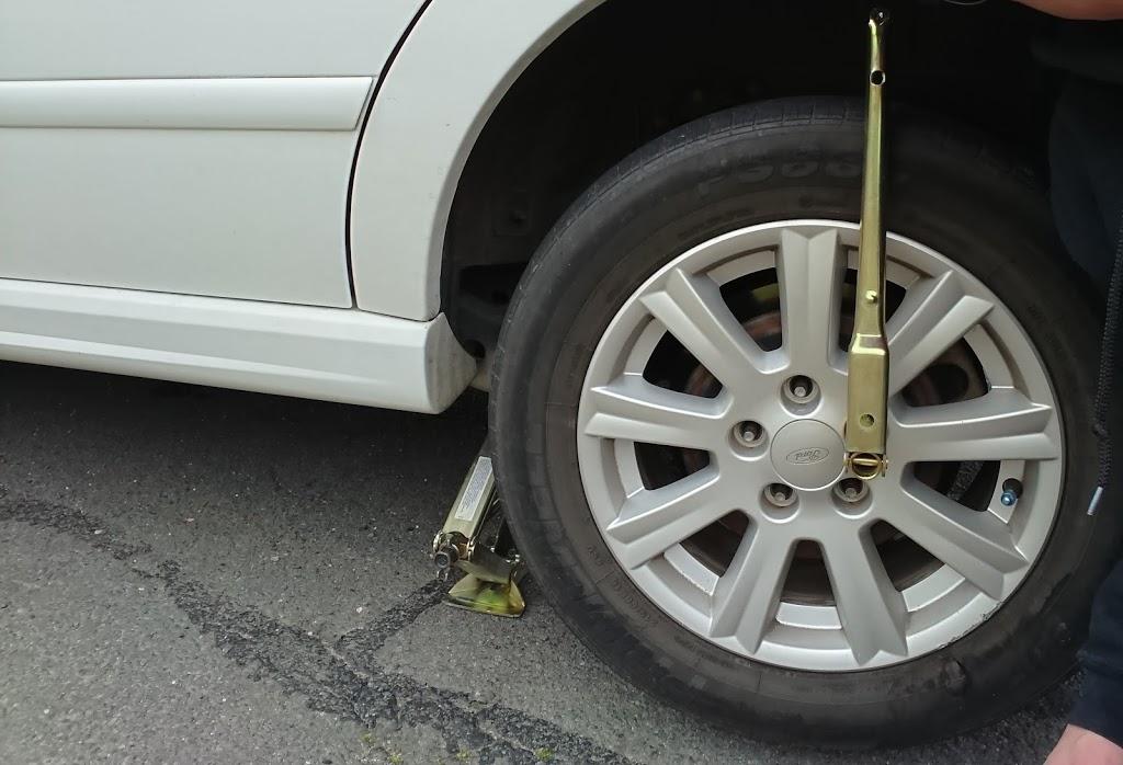 Bridgestone Service Centre - Albury (Lavington) | car repair | 381 Wagga Rd, Lavington NSW 2641, Australia | 0260256633 OR +61 2 6025 6633