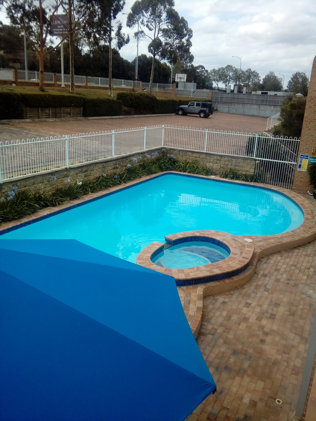 The Hermitage Campbelltown | lodging | 5 Grange Rd, Leumeah NSW 2560, Australia | 0246281144 OR +61 2 4628 1144