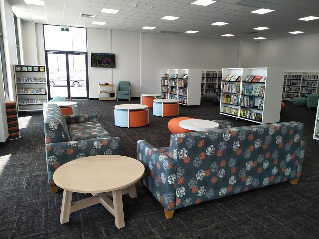 Lakelands Library and Community Centre | library | 49 Banksiadale Gate, Lakelands WA 6180, Australia | 0895503835 OR +61 8 9550 3835