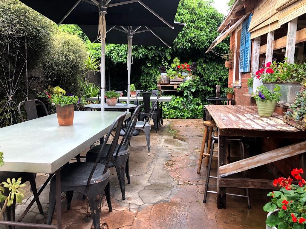 JUADINE INTERIORS & The RED Door cafe | restaurant | 90 East St, Narrandera NSW 2700, Australia | 0269594020 OR +61 2 6959 4020