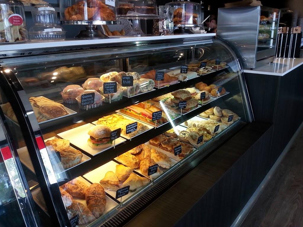La Petite France | bakery | 29 Civic Dr, Greensborough VIC 3088, Australia | 0384181516 OR +61 3 8418 1516