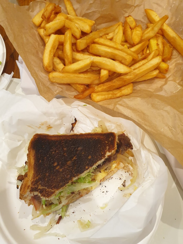 King Neptune Fish & Chips   restaurant   Shop 11/73-83 Bellarine Hwy, Newcomb VIC 3219, Australia   0352484000 OR +61 3 5248 4000