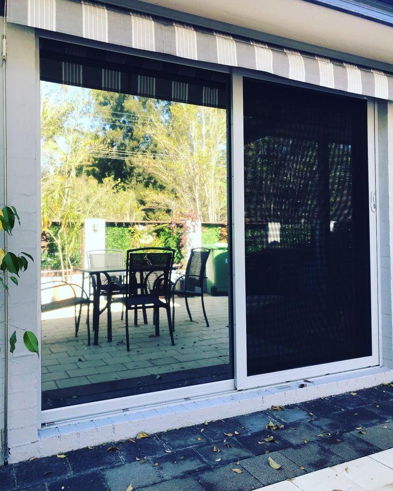 Walkers Window Tinting & Frosting   car repair   32 Emma James St, Springfield NSW 2250, Australia   0435205467 OR +61 435 205 467