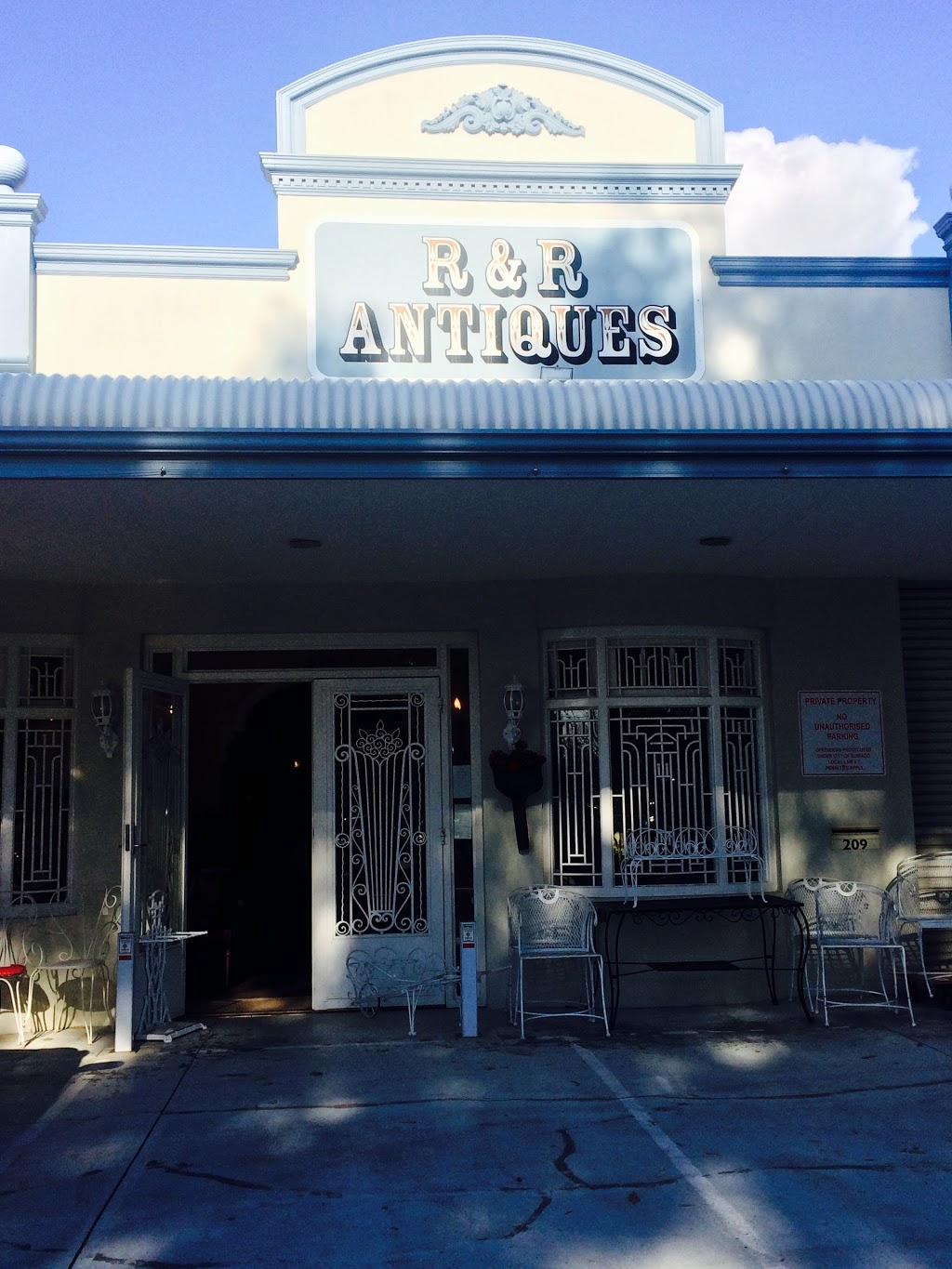 R&R Imports Antiques | furniture store | 209 Railway Rd, Subiaco WA 6008, Australia | 0893814350 OR +61 8 9381 4350