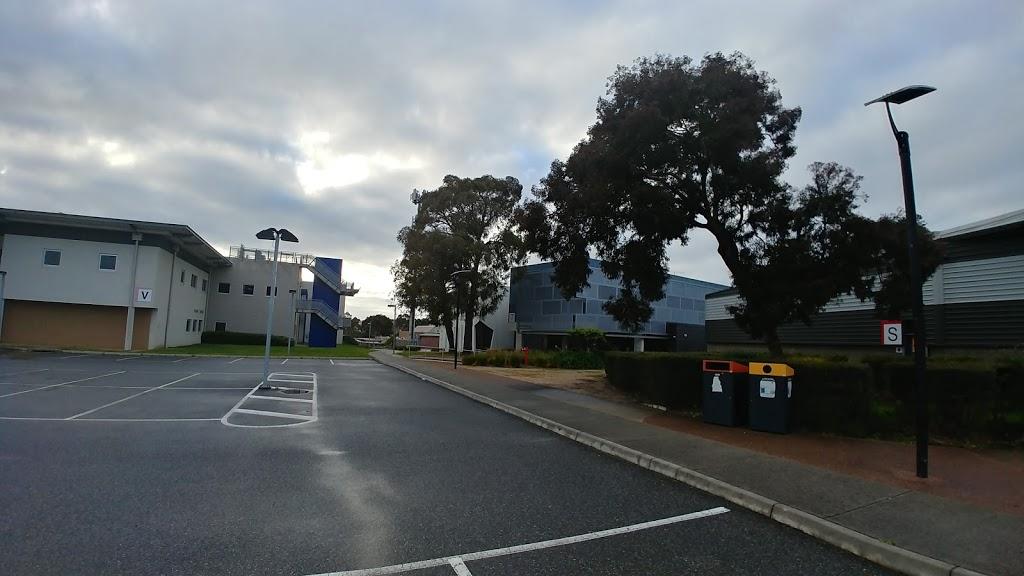 Chisholm Institute   university   121 Stud Rd, Dandenong VIC 3175, Australia   1300244746 OR +61 1300 244 746