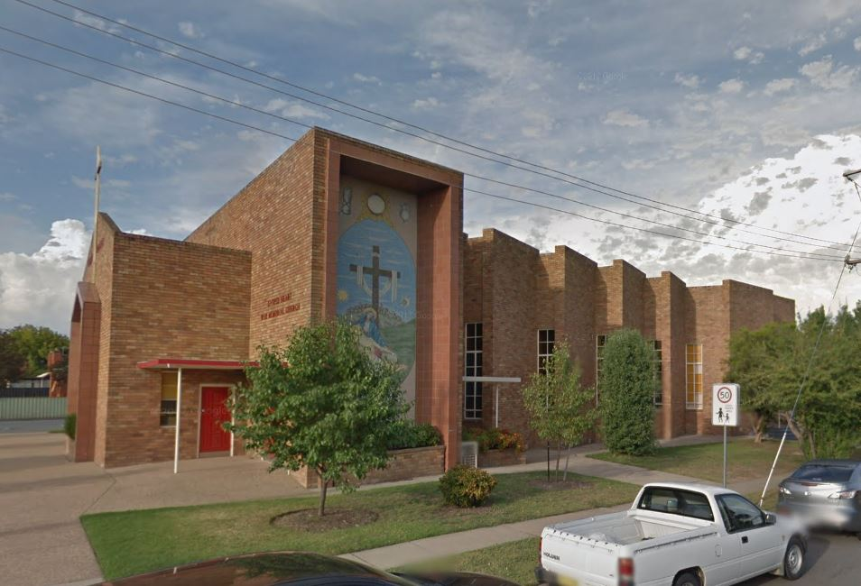 Sacred Heart Church | church | 330 Swan St, Albury N NSW 2640, Australia | 0260251516 OR +61 2 6025 1516