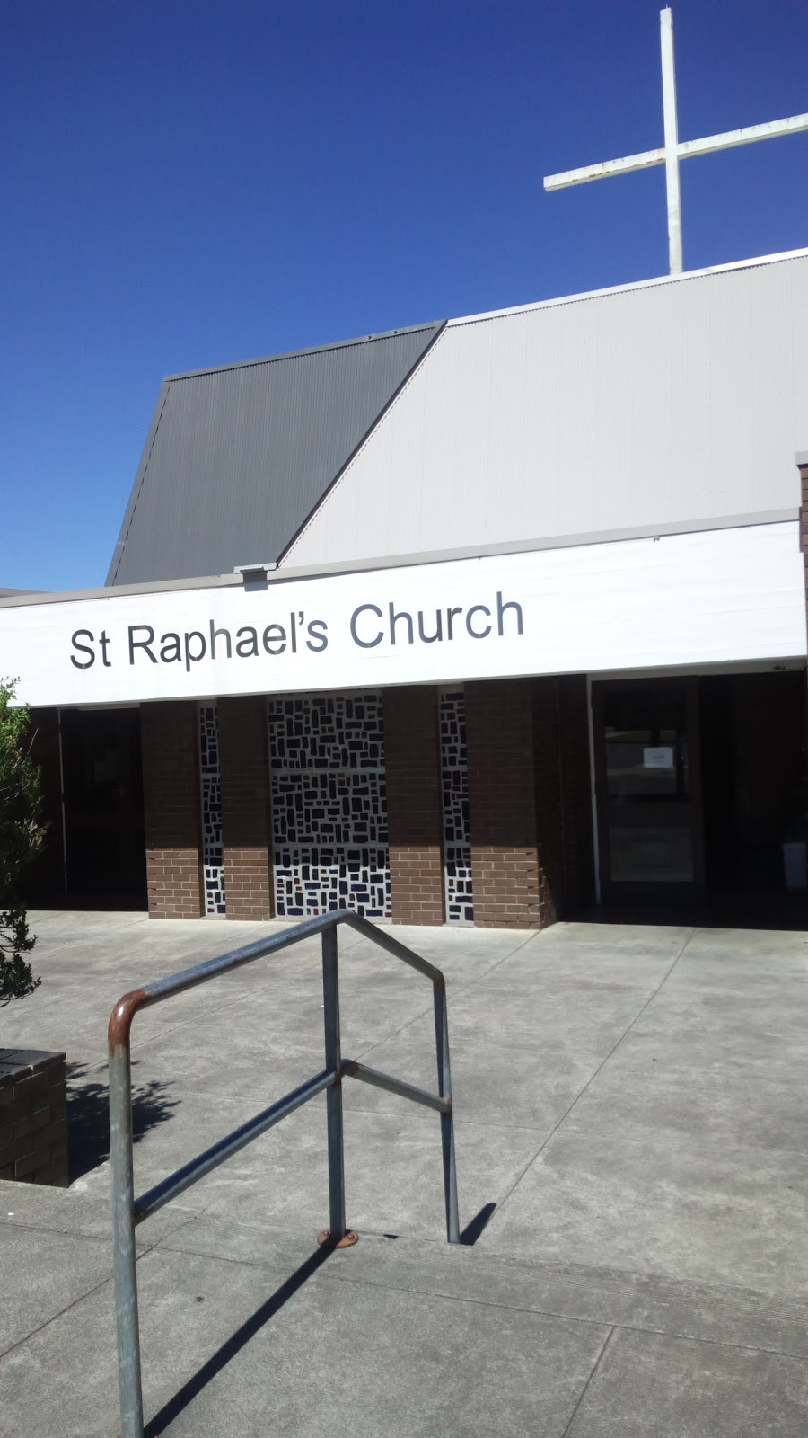 St. Raphaels Catholic Parish | church | 17 Hardy St, Preston VIC 3072, Australia | 0394702586 OR +61 3 9470 2586