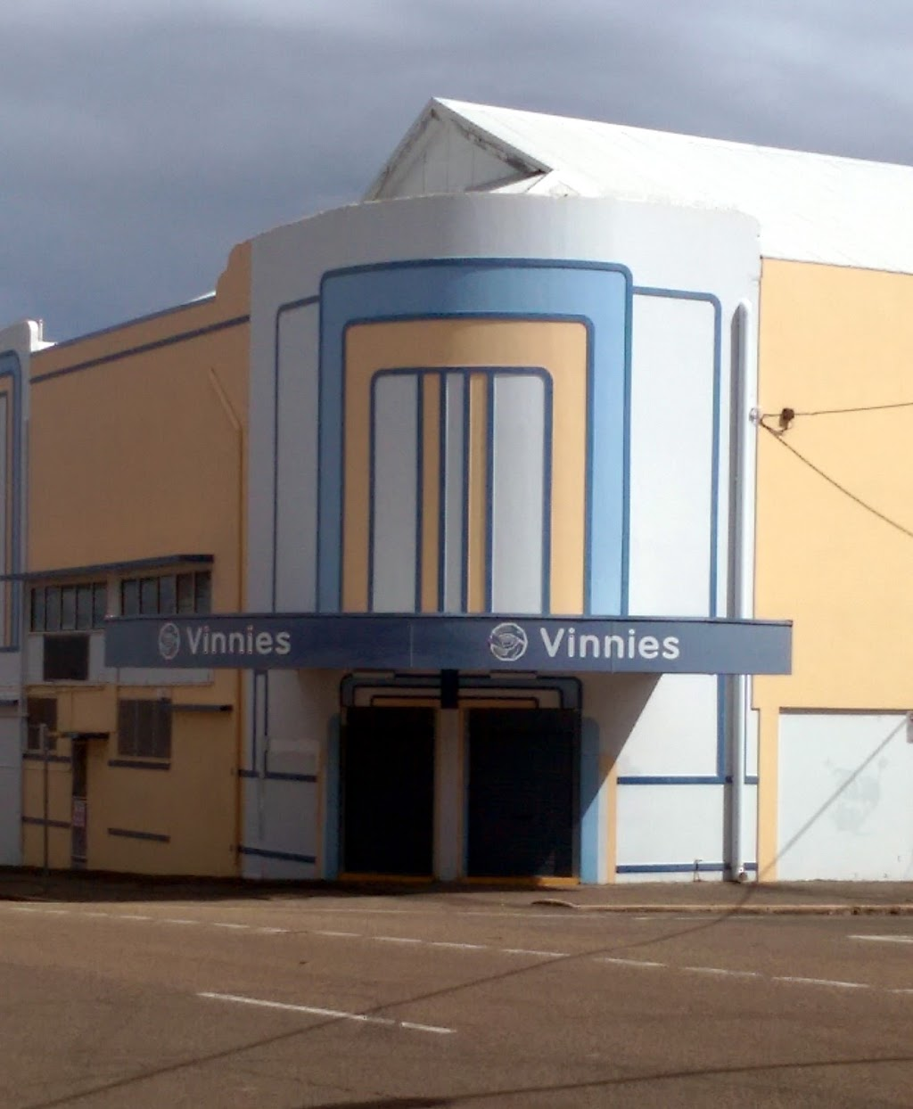 Vinnies Townsville Office | store | Townsville Depot Shop, 22/26 Echlin St, West End QLD 4810, Australia | 0747714077 OR +61 7 4771 4077