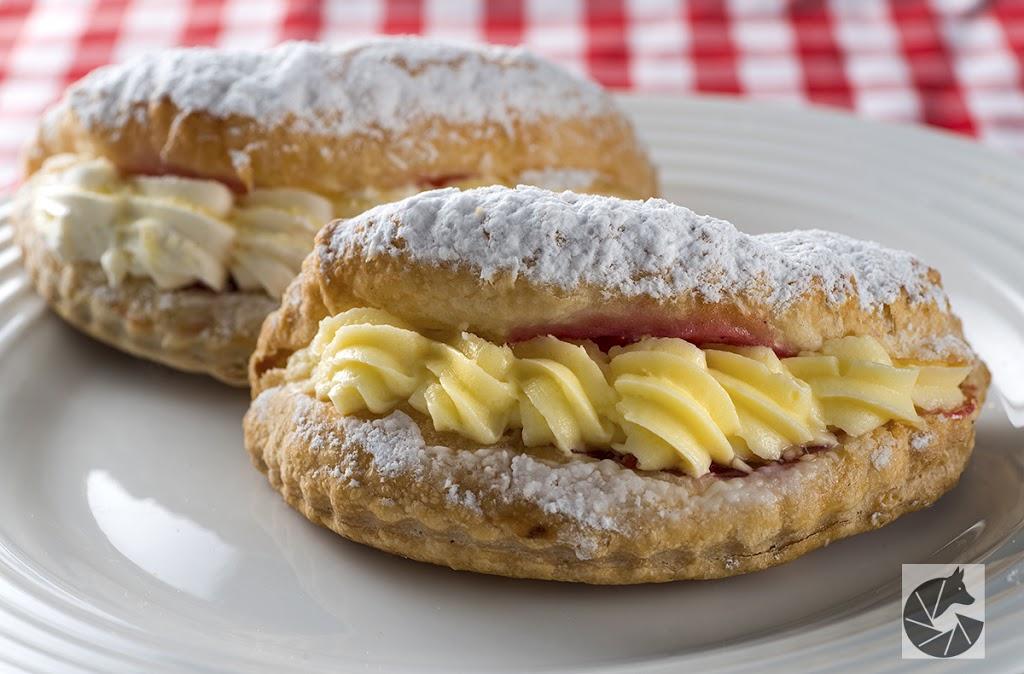 Barrys Quality Pies   bakery   67 Turea St, Blacksmiths NSW 2281, Australia   0249711995 OR +61 2 4971 1995