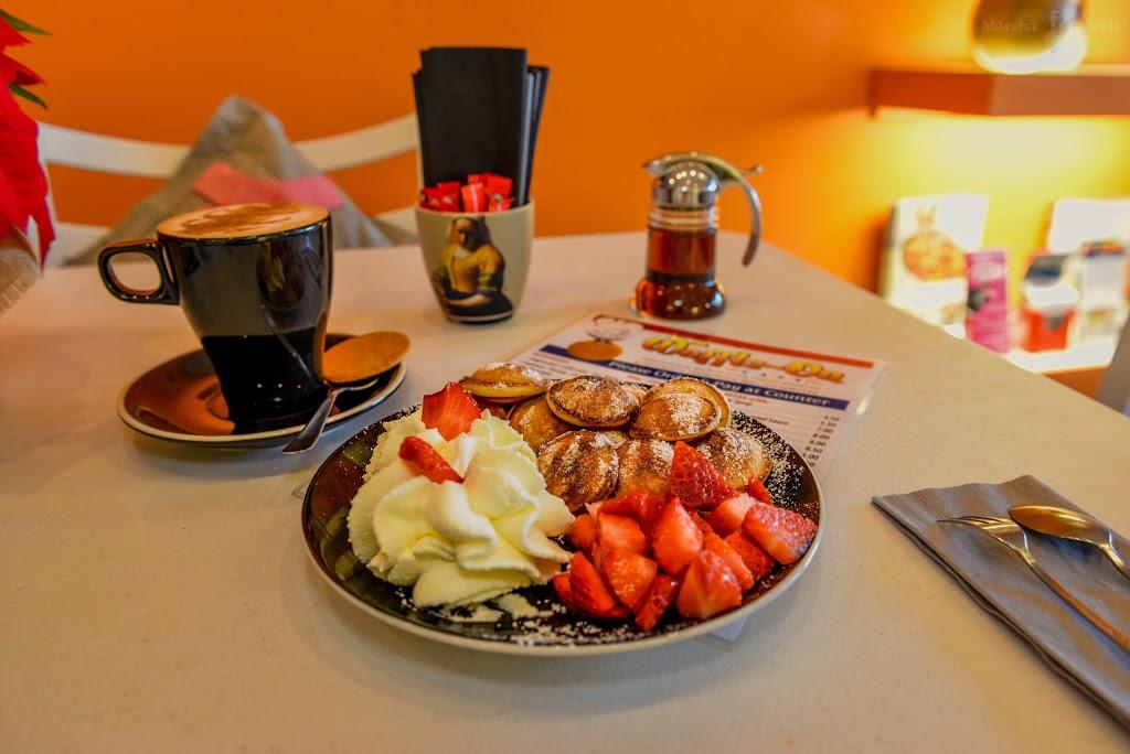Waffle-On Stroopwafels   cafe   Village square, Montville QLD 4560, Australia   0429065809 OR +61 429 065 809