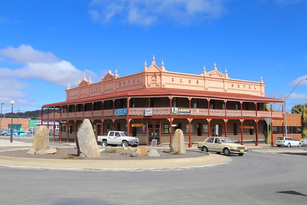 Club Hotel | lodging | 150 Grey St, Glen Innes NSW 2370, Australia | 0267323043 OR +61 2 6732 3043