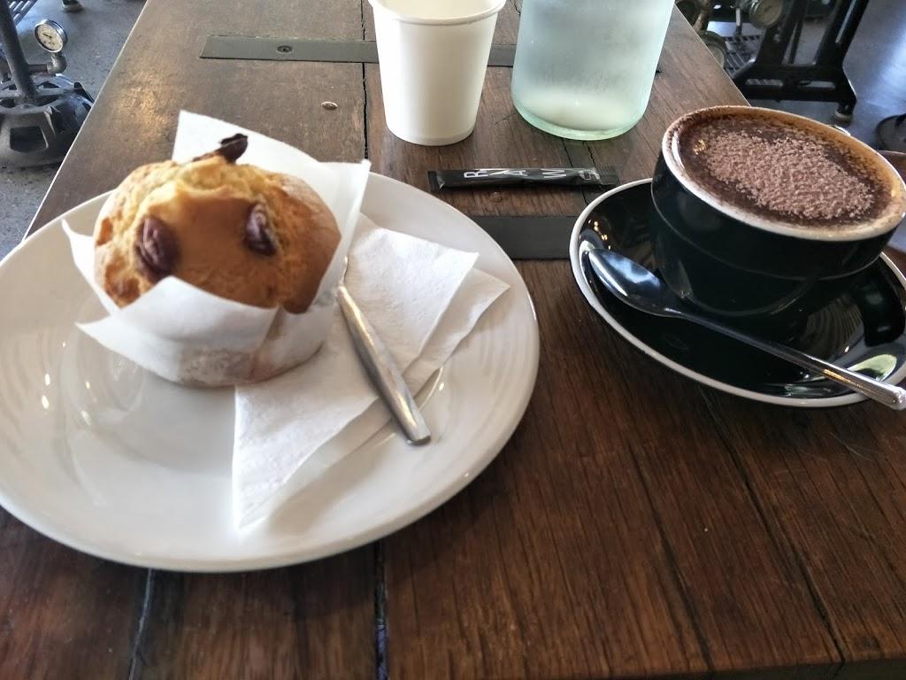 Mojos Cafe | cafe | 1-3 King St, Maroochydore QLD 4558, Australia | 0754433341 OR +61 7 5443 3341
