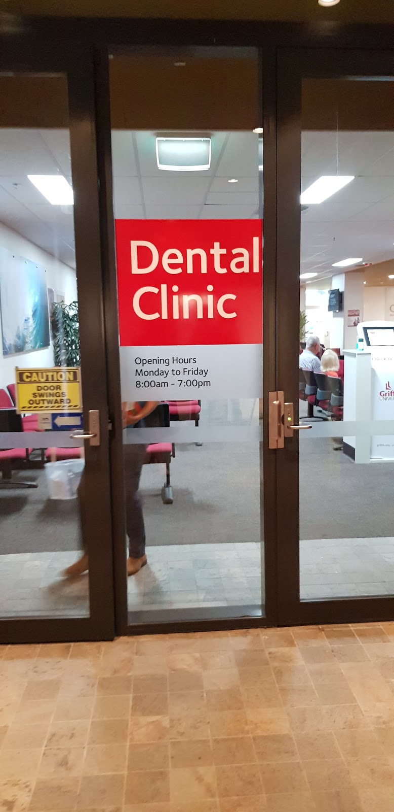 Griffith University Dental Clinic | dentist | Level 3, Griffith Health Centre (G40), Gold Coast campus, Cnr Parklands Drive and Olsen Avenue, Southport QLD 4215, Australia | 1800188295 OR +61 1800 188 295