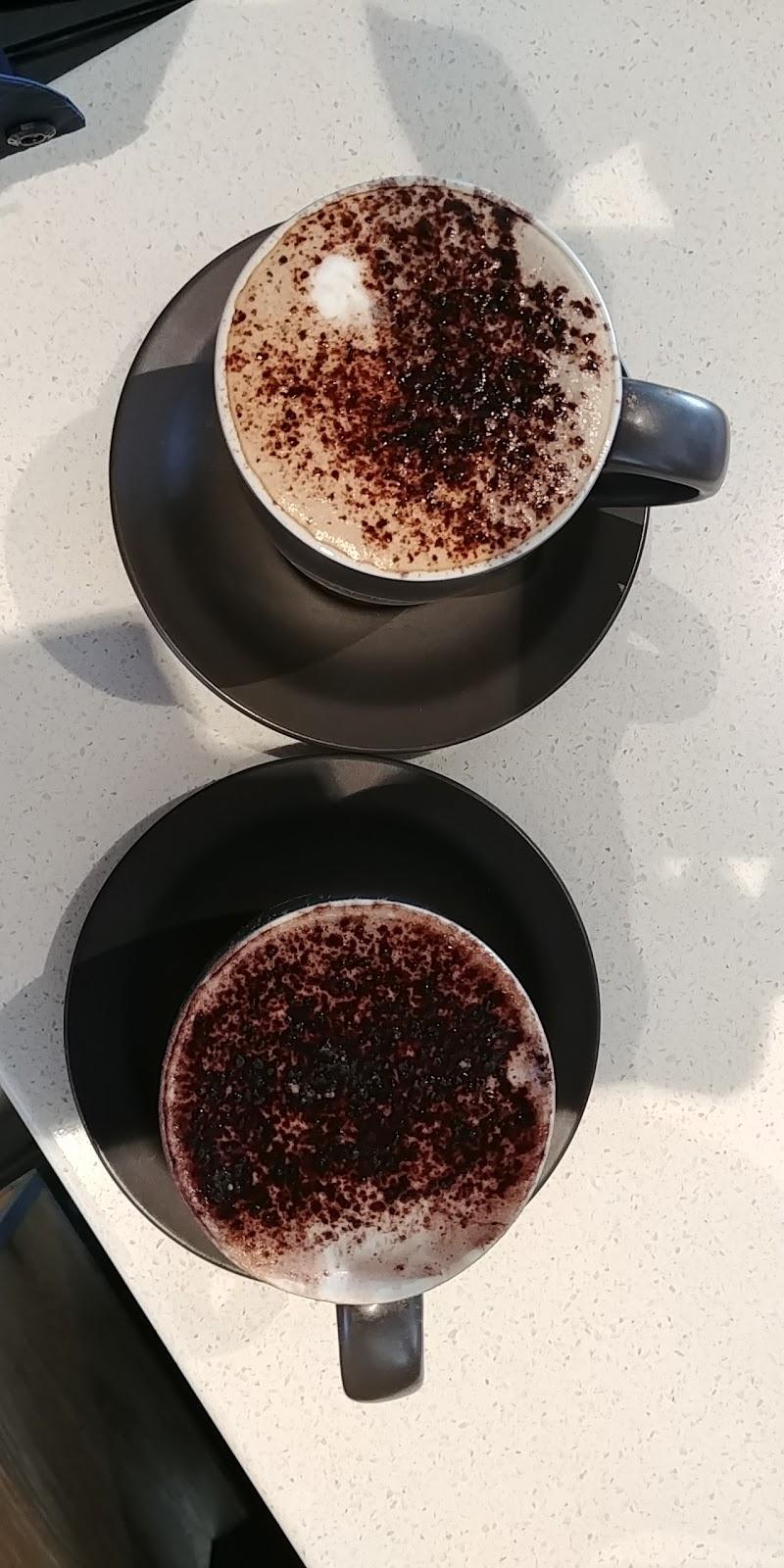 McDonalds Lara | cafe | Lara Village Shopping Centre, 120 Station Lake Rd, Lara VIC 3212, Australia | 0352824411 OR +61 3 5282 4411