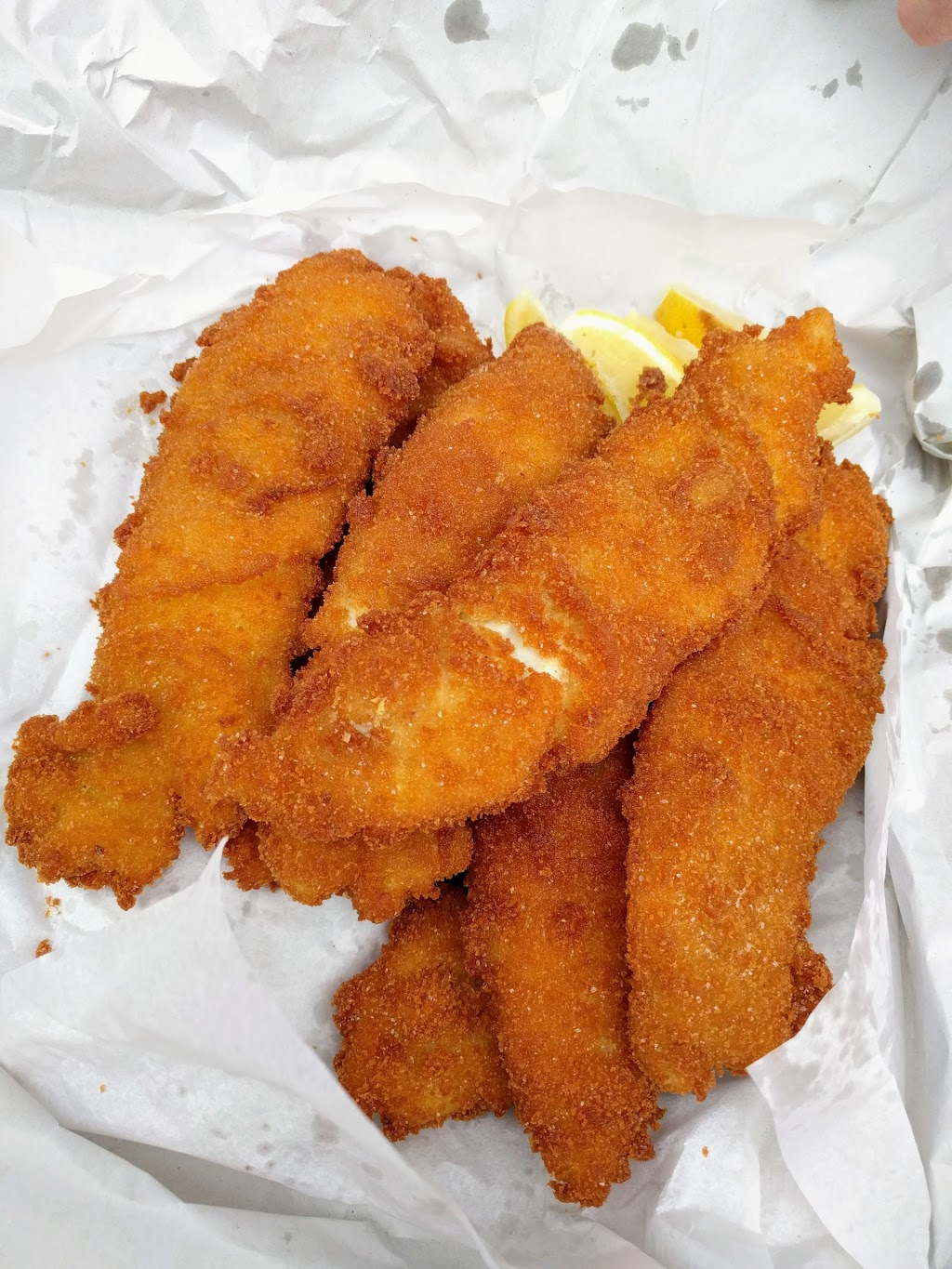 Harolds Seafood   meal takeaway   5/58 The Strand, North Ward QLD 4810, Australia   0747241322 OR +61 7 4724 1322